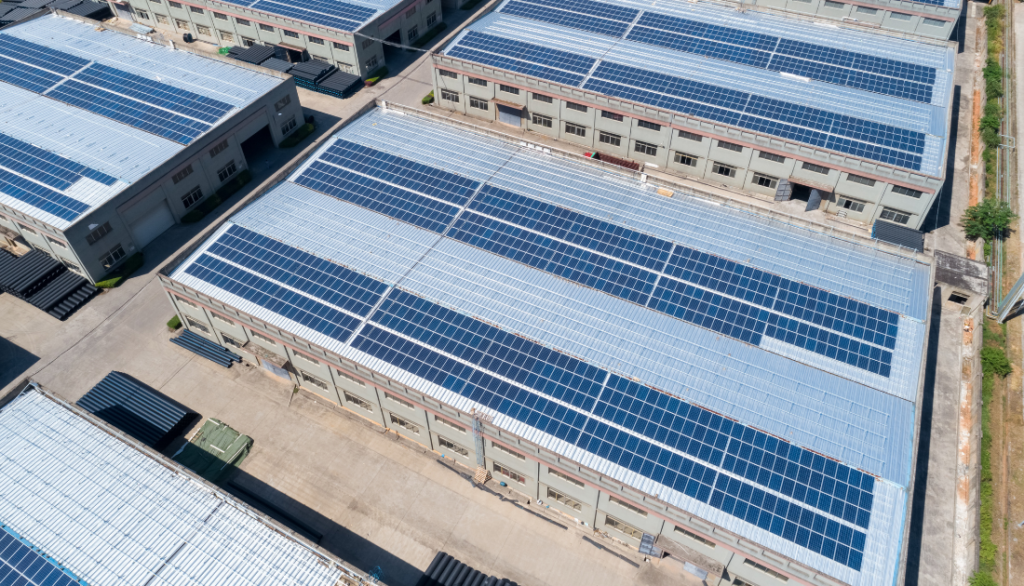 Planta solar fotovoltaica en cubierta para autoconsumo.